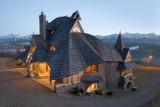 """Chaty hobbitów? Nie góralskie domy, które projektuje """"Gaudi z Podhala"""". Kim jest? Zaskoczenie! 24.04.2021"""