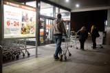 """Biedronka organizuje z piątku na sobotę """"Białą Noc"""" bez VAT"""