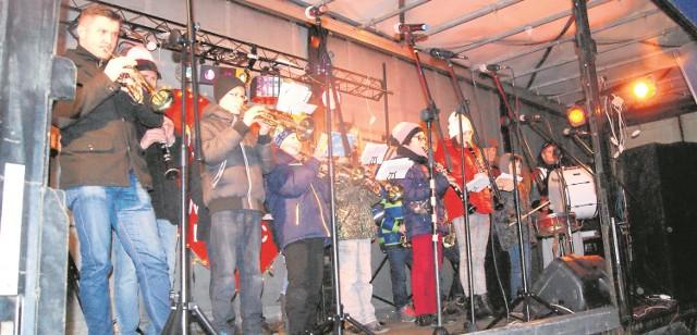 10 stycznia w Karlinie wielkoorkiestrowe granie zaplanowano przed halą widowiskowo-sportową przy ul. Kościuszki.