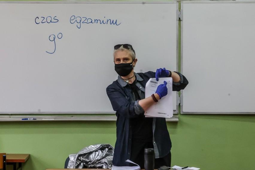 Próbna matura 2021 z języka polskiego. Pierwsze wrażenia uczniów po egzaminie 3.03.2021 roku. Komentarze i opinie