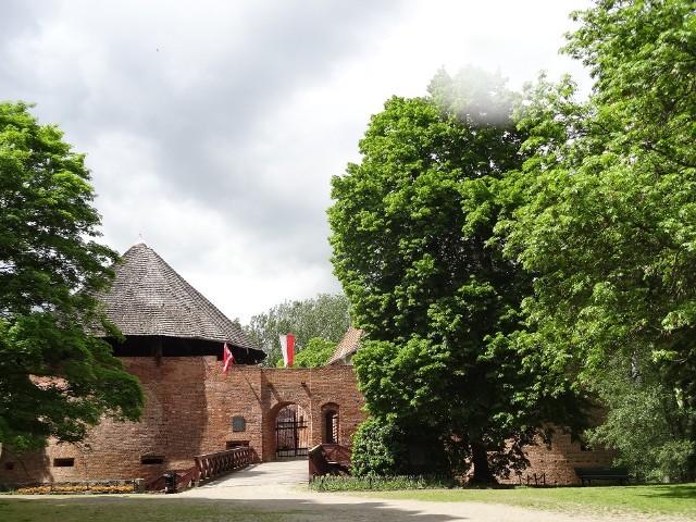 Zamek w majowej krasie.