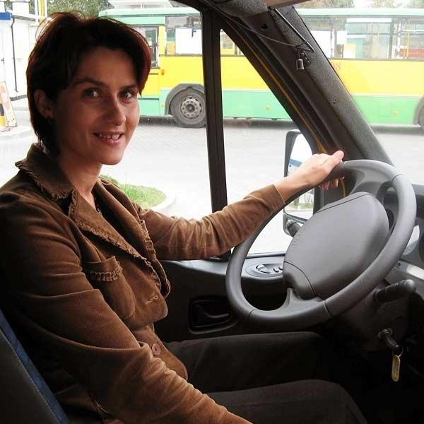 Autobusami w Dębicy kieruje już kilka pań. Prezes MKS szuka kolejnych pan do pracy.