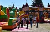 Wesołe miasteczko w Golubiu-Dobrzyniu. Kontrowersje wokół prezentu na Dzień Dziecka