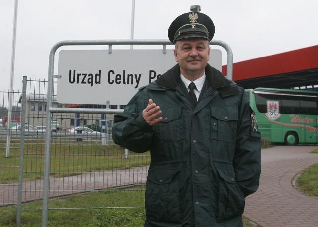 Inspektor celny Władysław Bessarab, podobnie jak inni celnicy z Kołbaskowa, odetchnął z ulgą. Nie musi szukać nowej pracy.