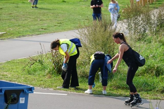 Sprzątanie brzegów Warty cieszyło się rekordową frekwencją uczestników - ochotników
