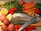 Ryby będą tanie jak barszcz. Inne produkty spożywcze już kosztują mniej. Dlaczego?