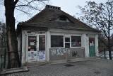 W domku nad fosą przy Wzgórzu Partyzantów powstanie kawiarnia [ZDJĘCIA, WIZUALIZACJE]
