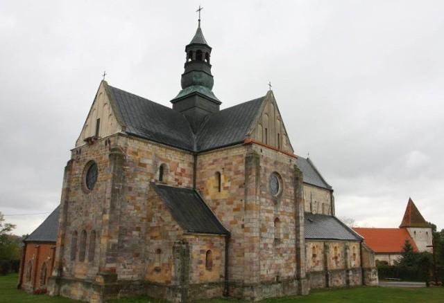 Pieniądze na renowację zabytków trafią m.in. do opactwa cystersów w Sulejowie, fary w Piotrkowie, zamku w Oporowie i parafii św. Katarzyny w Zgierzu