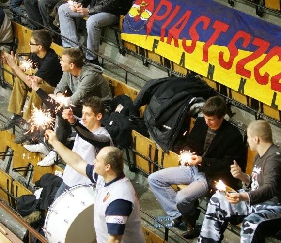Dopingujących kibiców siatkarek Piasta Szczecin ma być coraz więcej i mają być coraz głośniejsi.