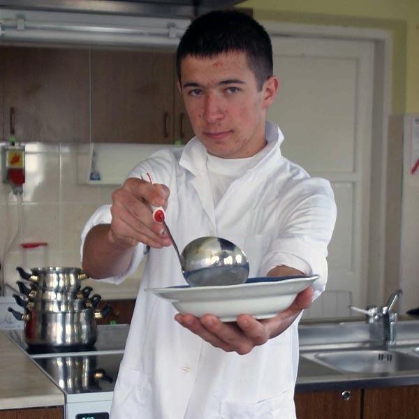 Po skończeniu szkoły jadę gotować Francuzom - mówi Łukasz Gniewek.