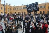 Wrocław: Protest przeciwko zakazowi aborcji. Policja broni siedziby PiS-u! [ZDJĘCIA]