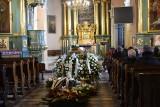Pogrzeb znanego lekarza chirurga Leszka Kani. Uroczystości odbyły się w kościele Świętej Trójcy w Jędrzejowie. Były tłumy [ZDJĘCIA]