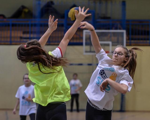 W Toruniu rozpoczął się nabór do klas sportowych i dwujęzycznych w podstawówkach