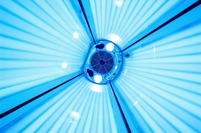Terapie z wykorzystaniem światła mają wiele prozdrowotnych właściwości. Pomagają m.in. w leczeniu chorób dermatologicznych.