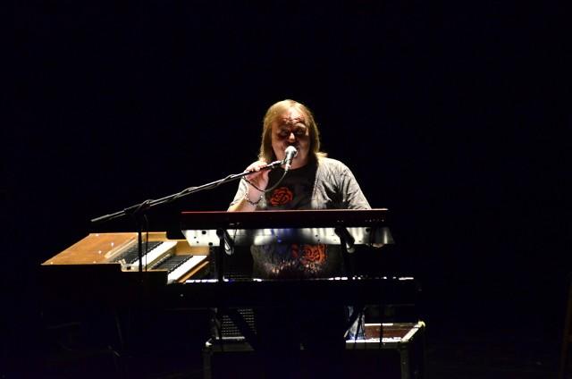 Romuald Lipko podczas pożegnalnego koncertu Budki Suflera w Teatrze Wielkim w Poznaniu