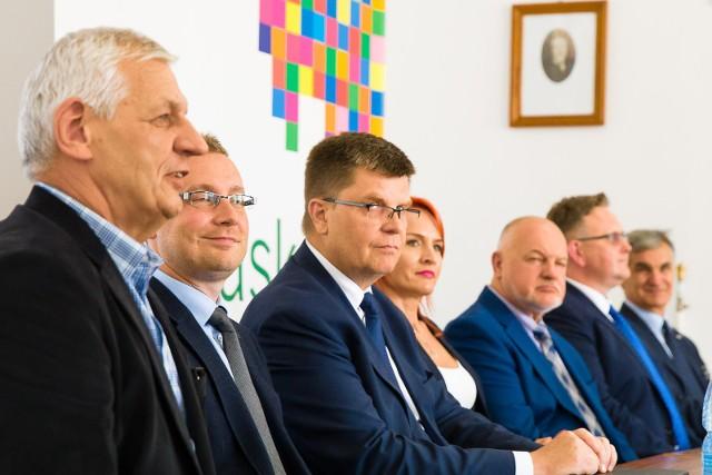 - Psychiatria jest obecnie niedofinansowana - uważa Tomasz Goździkiewicz (pierwszy z lewej), dyrektor szpitala w Choroszczy