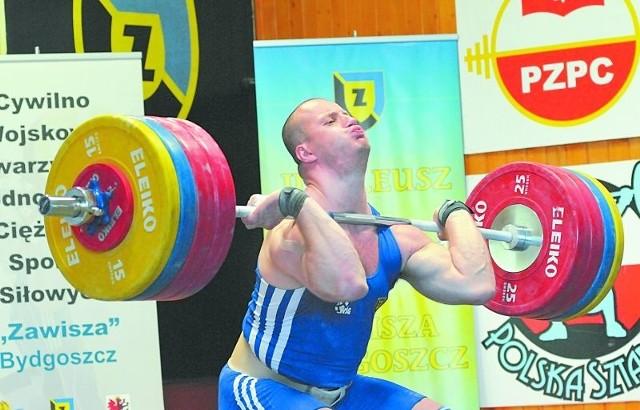 Marcin Dołęga jest trzykrotnym mistrzem świata: Santo Domingo 2006 r. (415 kg), Koyang 2009 r. (421 kg) i Antalya 2010 r. (415 kg)