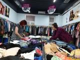 Uwaga, poławiacze odzieżowych perełek za grosze! W Katowicach otwarto sklep z odzieżą używaną Olatex International