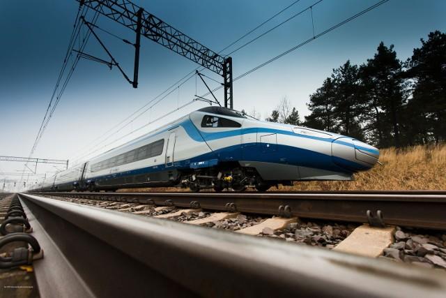 Pociągi pendolino, czyli Express InterCity Premium, na polskich torach pojawią się w niedzielę 14 grudnia.