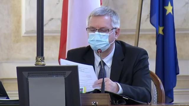 Janusz Okrzesik, przewodniczący Rady Miejskiej Bielska-Białej, jest zakażony koronawirusem