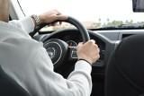 Wakacyjne wyjazdy. Zachowaj ostrożność na drodze!