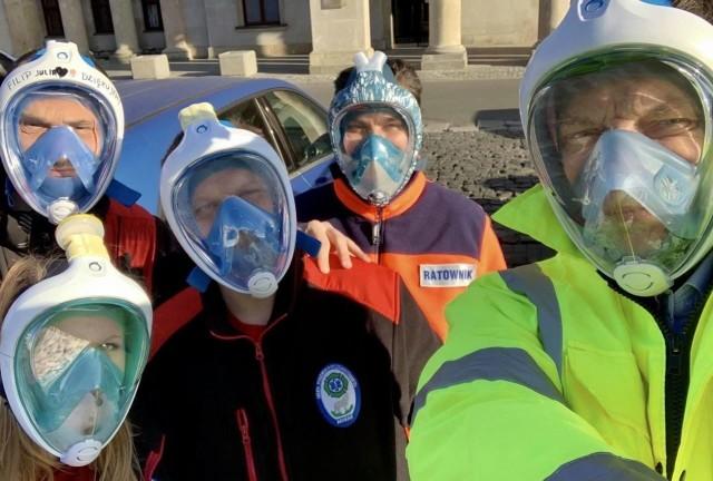 W całym kraju coraz więcej lekarzy, pielęgniarek i ratowników medycznych korzysta z masek, które powstały w ramach akcji Maska dla Medyka Zobacz kolejne zdjęcia. Przesuwaj zdjęcia w prawo - naciśnij strzałkę lub przycisk NASTĘPNE