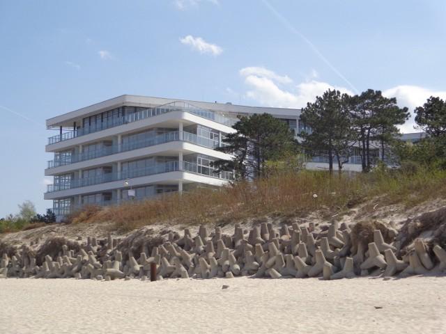 Apartamentowiec Dune widziany od strony morzaTak prezentuje się nowy apartamentowiec oglądany od strony morza