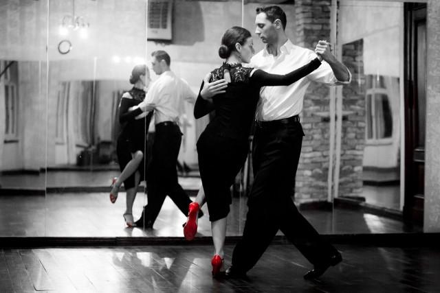 Taniec nie tylko łączy ludzi, ale również sprawia, że stają się lepsi. O sile argentyńskiego tanga przekonają się wszyscy, którzy we wtorek 11 grudnia przyjdą pod galerię Posnania, gdzie odbędzie się pokaz tanga najwyższej klasy.