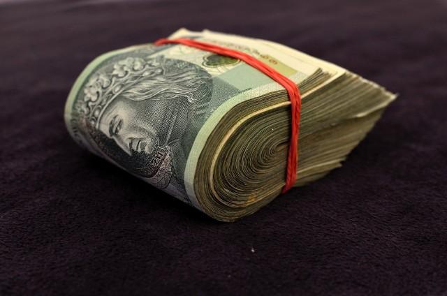W listopadzie 2005 r. mieszkaniec Lublina zaciągnął pożyczkę gotówkową w wysokości 7,5 tys. zł. W przypadku braku jej spłaty w wyznaczonym terminie bank rościł sobie prawo do naliczania bardzo wysokich odsetek