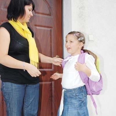 7-letnia Gabrysia Kalisty z Tykocina (na zdj. z mamą Ewą Kalisty) nie mogła doczekać się początku roku szkolnego
