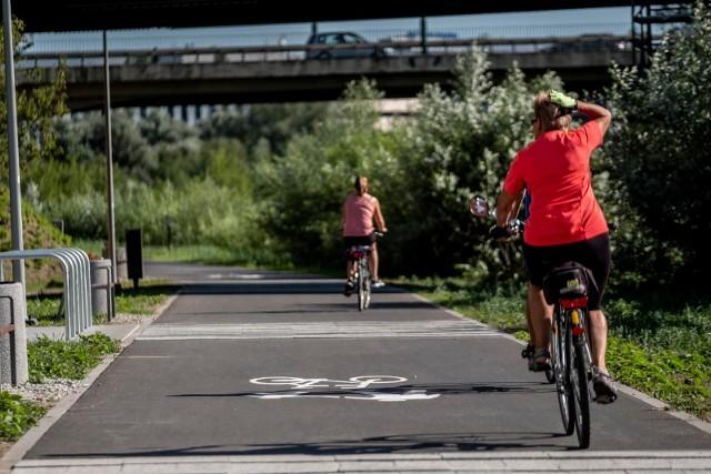 Do jazdy przez Poznań ma zachęcić mieszkańców nowa edycja rowerowej mapy. Wdrożono w niej ponad 100 poprawek, uwzględniono drogi rowerowe w budowie oraz zaktualizowano treści