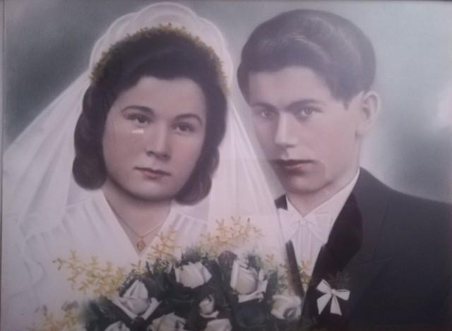 Fotografia ślubna Janiny z d. Maciejewskiej i Józefa Chrobaka. Związek małżeński zawarli 18 sierpnia 1948 r. w Unisławiu