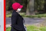 Noszenie maseczek na świeżym powietrzu przestanie być obowiązkowe? Ważny kolejny głos w tej sprawie