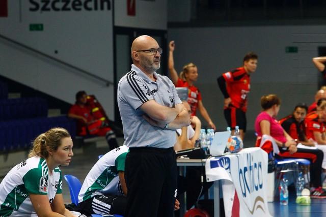 - Kocham tę robotę - twierdzi trener Leszek Krowicki.