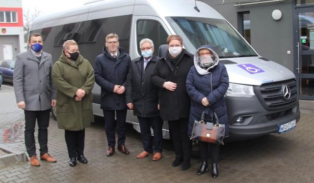 Nowy autobus kosztował blisko 300 tysięcy złotych.