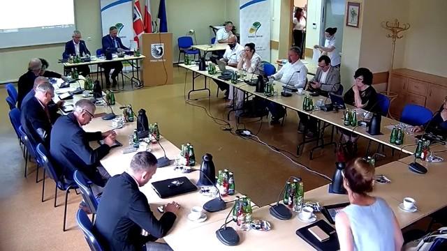 Do incydentu doszło podczas sesji Rady Powiatu Świeckiego 30 czerwca.