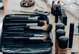 Dobra baza pod makijaż - czy warto w nią zainwestować? Jak poprawnie nakładać bazę pod podkład i czym się kierować podczas zakupu?