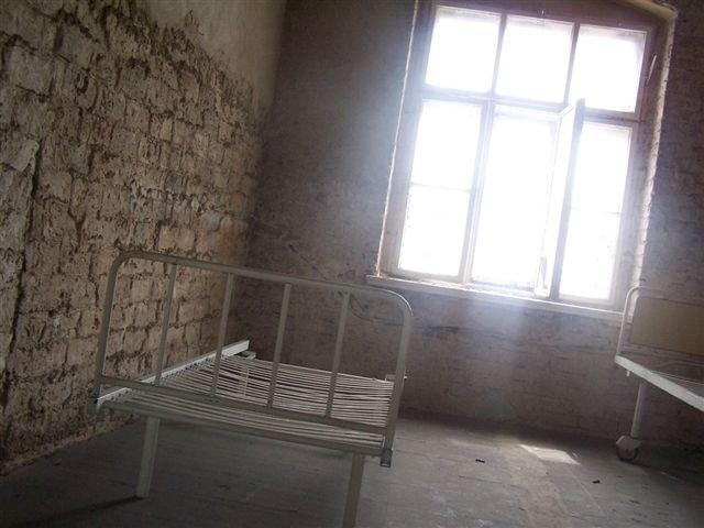 Fot. MD - Klimatyczne zdjęcia - to teraz najlepsze, co można robić w starym szpitalu
