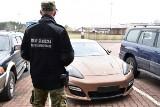 Terespol: skradzione w Rosji luksusowe porsche zatrzymane na granicy. Za kierownicą Białorusin