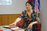 Romską poetkę chcieli wyrzucić z imprezy na MTP. Oskarżono ją o... grzebanie dłonią w jedzeniu. Teraz przepraszają