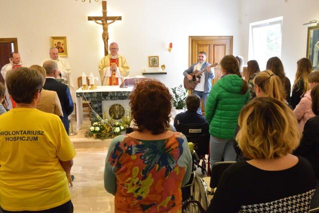 Mszy świętej w kaplicy hospicjum przewodniczył Andrzej Kaleta, biskup pomocniczy diecezji kieleckiej.