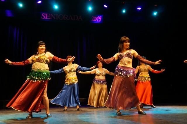 Grupa orientalnego tańca brzucha New Belly działający przy Stowarzyszeniu Akademia plus 50 w Białymstoku