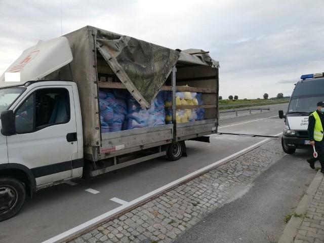 Kontrole samochodów cieżarowych przez kędzierzyńsko-kozielski ITD.
