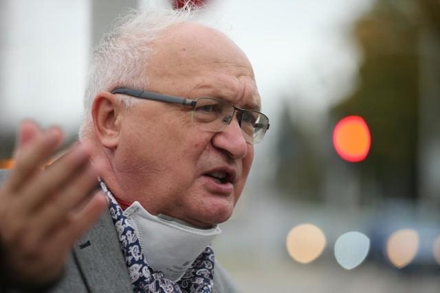 Profesor Krzysztof Simon: Ludzie będą umierali na stojąco, jeśli nie zaczniemy stosować sanitarnych reżimów
