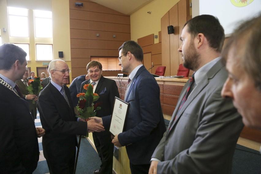 Kulturalne Gryfy przyznane. Na sesji były kwiaty i dyplomy (zdjęcia)