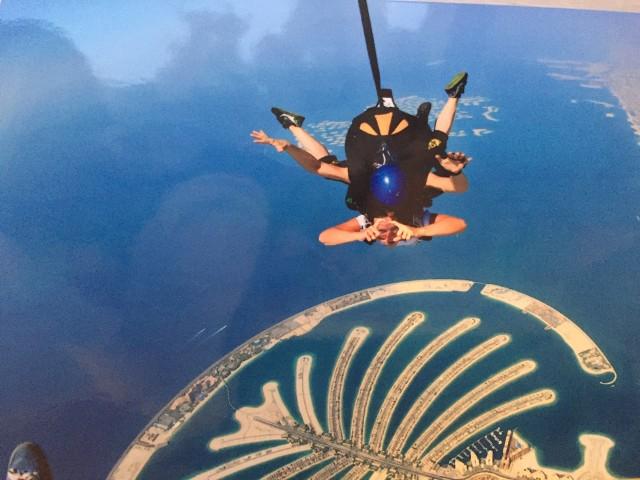 Swoim wspomnieniem podzieliła się z nami Justyna Keller, która skoczyła ze spadochronem nad Palm Jumeirah w Dubaju.
