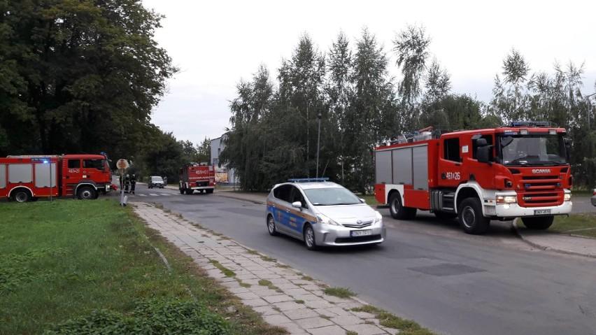 Po 4,5 godzinach zakończyła się akcja usuwania bomby lotniczej, znalezionej podczas prac ziemnych w pobliżu 10-piętrowego bloku przy ul. Kordeckiego w Nysie.