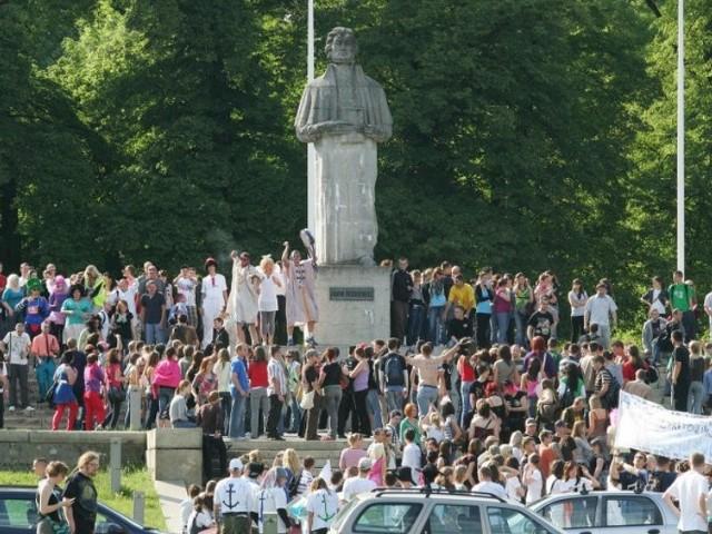 Juwenalia 2009W Szczecinie rozpoczely sie Juwenalia. Studenci przejeli klucze do bram miasta.