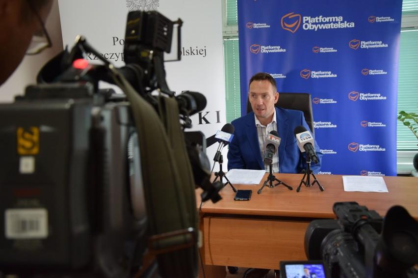 Poseł PO Tomasz Szymański przekonuje, że ustawa o Krajowym Zasobie Nieruchomości to bubel prawny