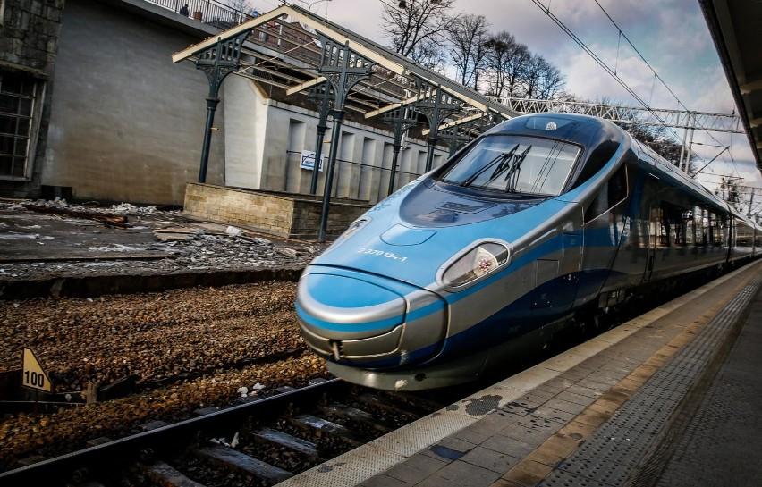 Dlaczego Polacy wybraliby podróż pociągiem? Przede wszystkim...